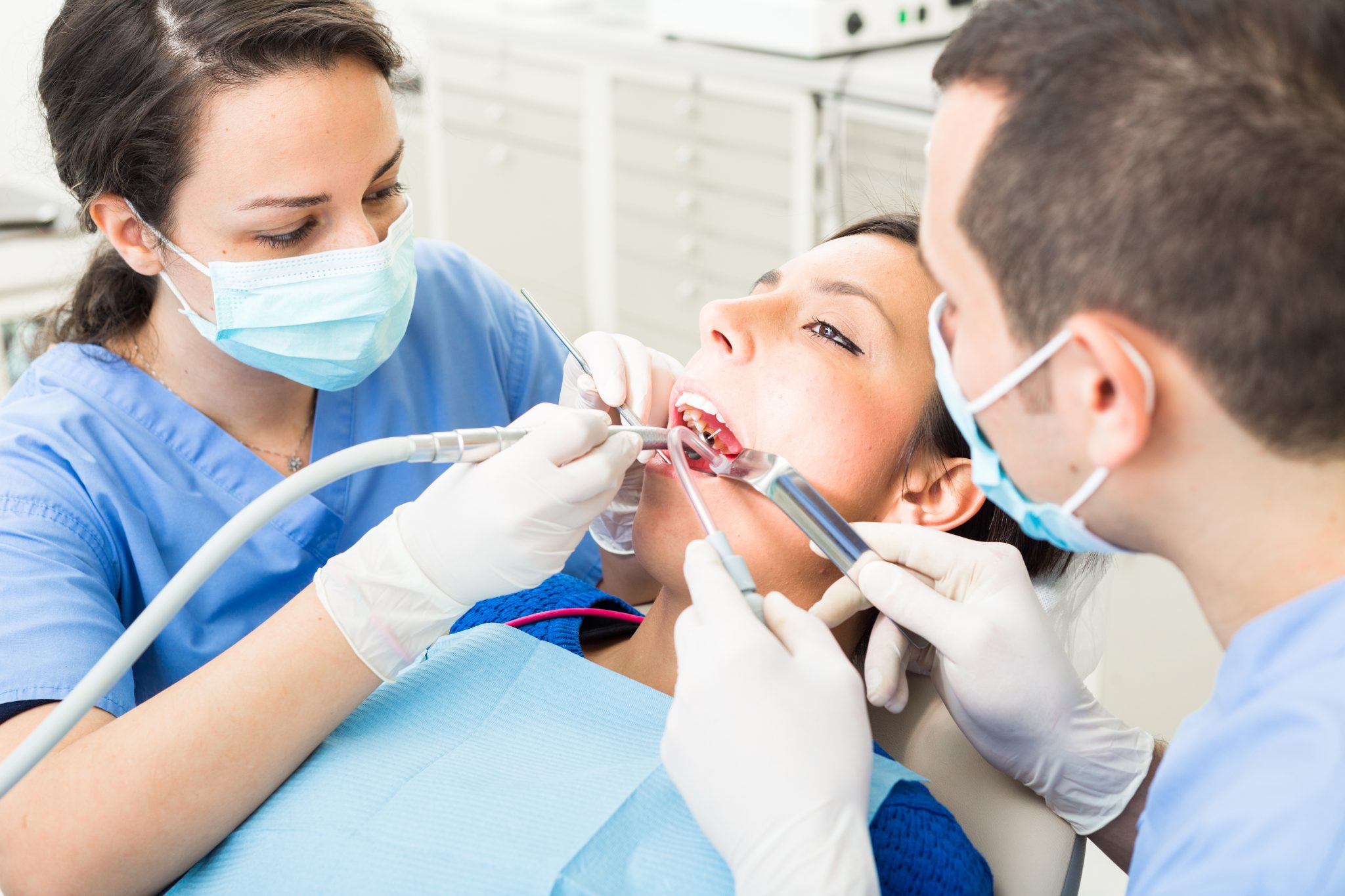 emergency dentist teeth removal missing teeth dental office oral care family dentistry surgery dr sandy dr peter mitchell & associates kelowna